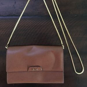 Leather brown crossbody with gold metal chain